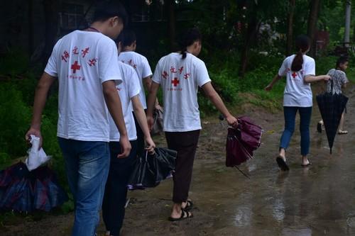 南京福彩大学生公益项目支教下乡
