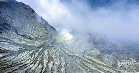 《丹行线》朱丹勇闯印尼活火山,因爱泪流满面