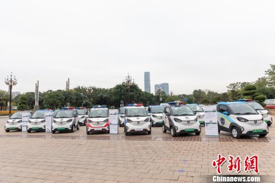 图为上汽通用五菱汽车股份有限公司旗下新能源汽车。 曹伟军 摄
