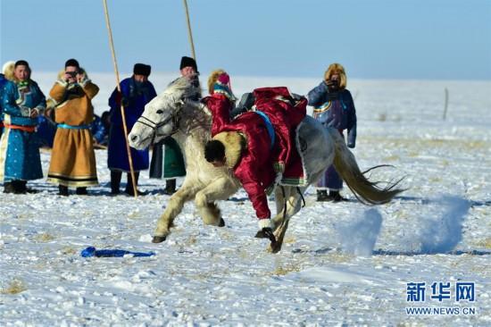 (社会)(2)马背民族雪原展绝技