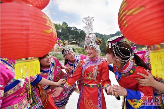 高山畲乡传统婚礼引客来