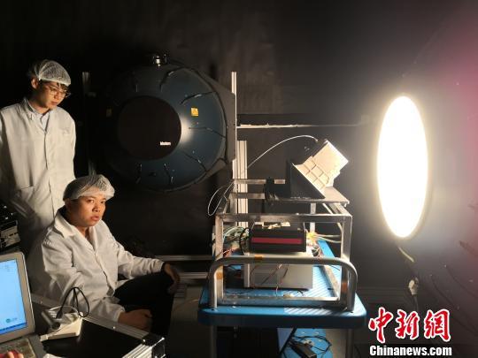 """揭秘嫦娥四号""""三只眼"""":助落月、观月表"""