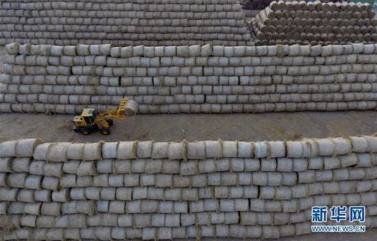 (经济)(1)河北唐山:秸秆回收利用 保护环境又增收