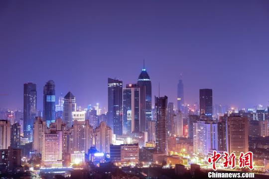 图为,武汉市江汉区夜景 江汉宣 摄