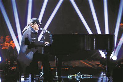 《歌手》首播刘欢带着原创新作《夜》霸气来袭