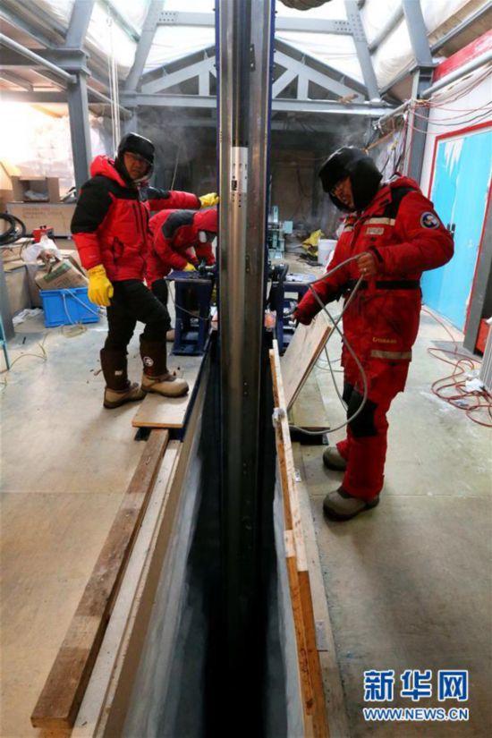 南极冰盖之巅深冰芯房探秘