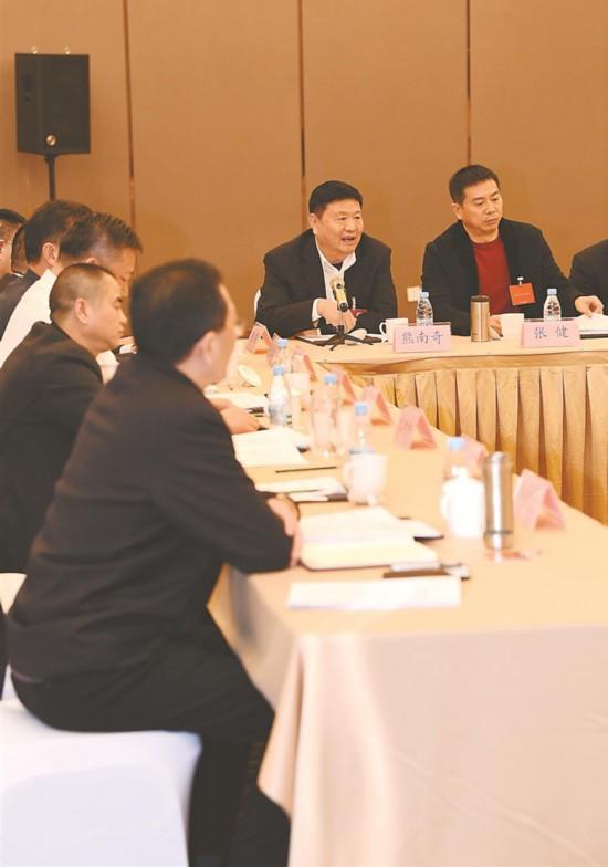 凝聚共识谋发展--省政协十二届二次会议剪影