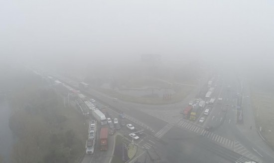 受大雾天气的影响 淮安交警启动应急预案