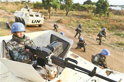 中国赴南苏丹维和步兵营组织以实战为背景应急处突演练