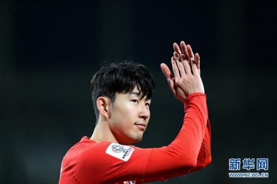 (亚洲杯)(3)足球――小组赛:中国队不敌韩国队