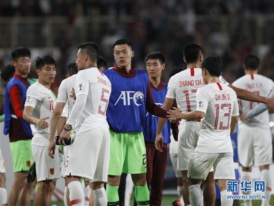 (亚洲杯)(16)足球――小组赛:中国队不敌韩国队