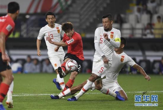 (亚洲杯)(14)足球――小组赛:中国队不敌韩国队