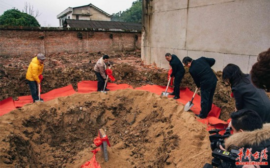 湖南首所专业影泡沫莲花灯天宇5视艺术中学在长沙县奠基