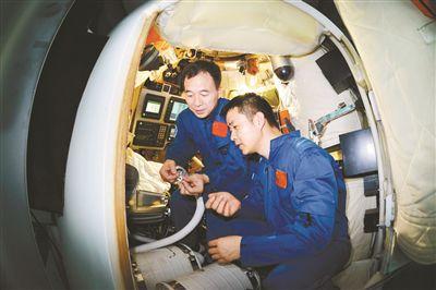 """中国特级航天员景海鹏:""""时刻准备接受祖国挑选"""""""