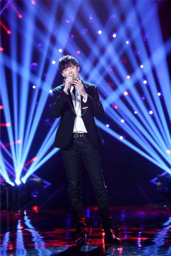 《歌手》首场踢馆赛录制结束:杨坤改编李宇春歌曲 刘宇宁被淘汰