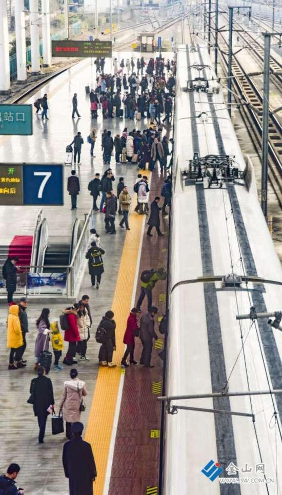 铁路镇江站春运期间预计发送旅客114万人次