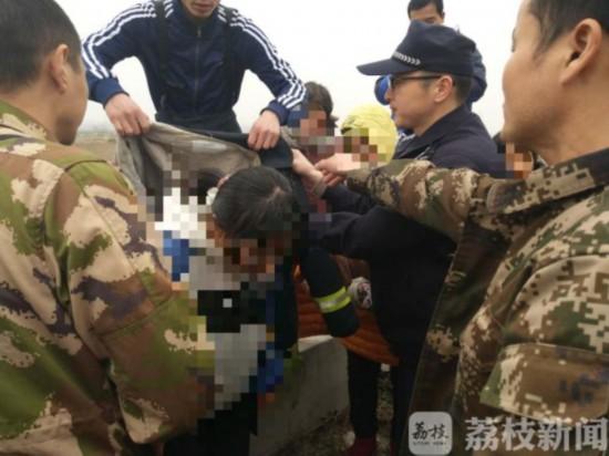 因与父母吵架 南京六合13岁女孩严冬跳河欲轻生