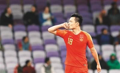 亚洲杯1/4决赛国足将战伊朗:不惧过往 拼出未来