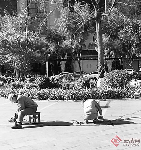 一小区里跳广场舞被劝阻 原空地上却被划成车位