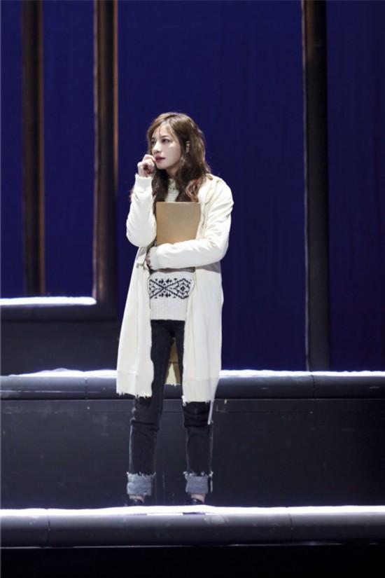 话剧《求证》赵薇饰演神经质天才数学家 苏有朋低调现身支持