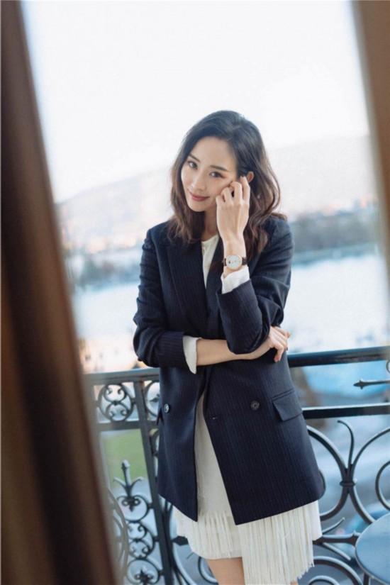 张钧甯暖冬大片发布 展示暖冬时尚混搭