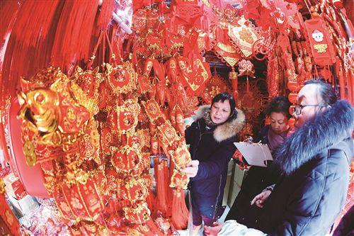 备年货迎新年 徐州春节饰品迎来销售旺季