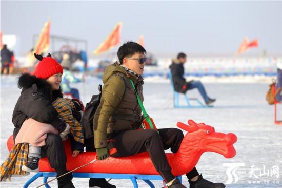 新疆博湖县:亲子同乐迎新年