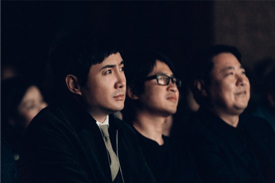 《飞驰人生》发布会变大型KTV 众主创合唱《一半人生》