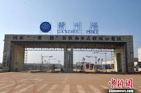"""江西""""两会"""":代表委员聚焦赣州国际港建设"""