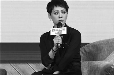 """95后的吴宣仪已经被家人催婚了 """"过来人""""宁静大谈""""高级婚姻观"""""""