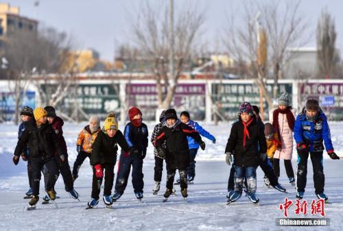 """陈宝生:在升学压力下学校体育有""""边缘化""""的危险"""