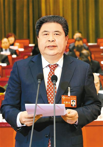 陕西省政协十二届二次会议在西安闭幕
