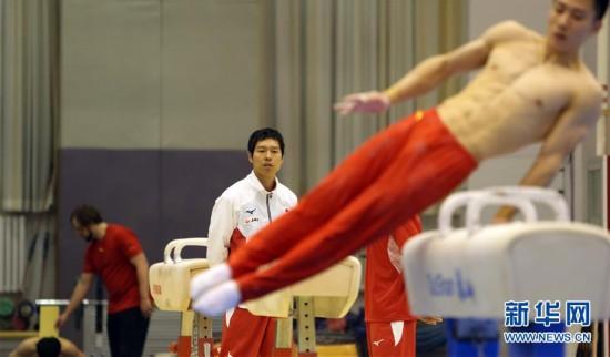 (体育)(2)体操――中日体操男队首次进行合练