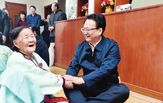 景俊海走访慰问生活困难群众、老党员和部队官兵