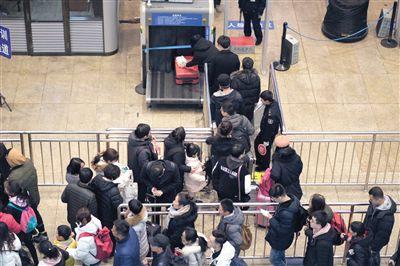 北京南站设网约车专区 加强夜间出租车运力调度