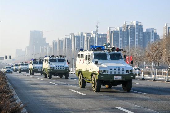 武警宁夏总队开展春节前武装震慑性巡逻