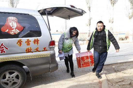 """8年""""雷锋饺子""""累计投入1700余万元  慰问4.7万户困难家庭"""