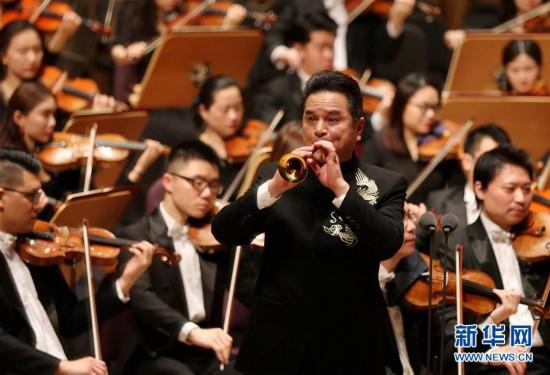 (文化)(3)上海交响乐团举行新春音乐会