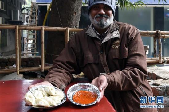 印度街头的饺子摊