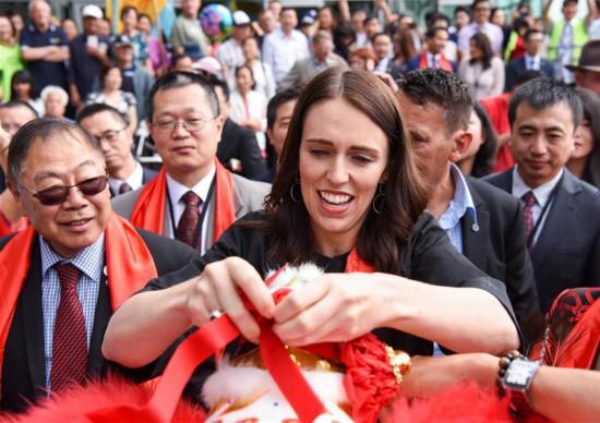 新西兰总理与华人同乐迎新春