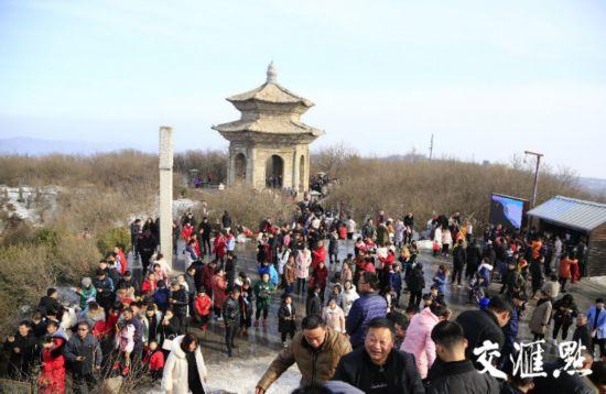 连云港花果山游客量大幅增加 文化活动丰富多彩