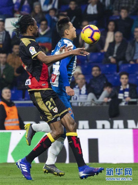 (体育)(12)足球——西甲:西班牙人胜巴列卡诺