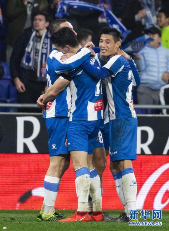 (体育)(5)足球――西甲:西班牙人胜巴列卡诺