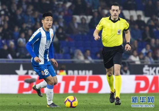 (体育)(9)足球――西甲:西班牙人胜巴列卡诺