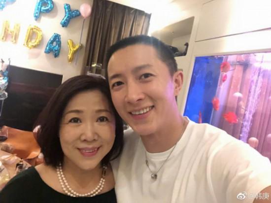 韓庚晒慶生派對照片與女友盧靖姍溫馨同框