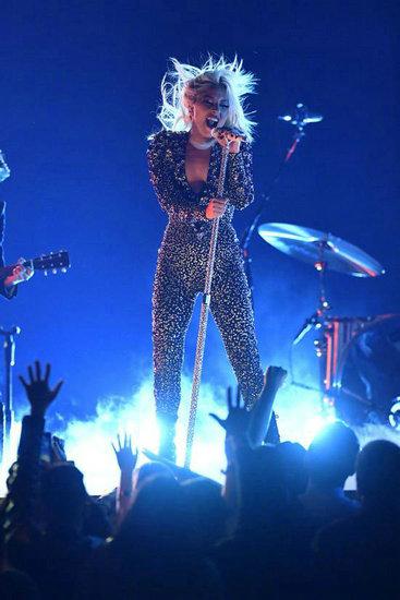 恭喜!Gaga成史上第一个格莱美流行分类大满贯歌手