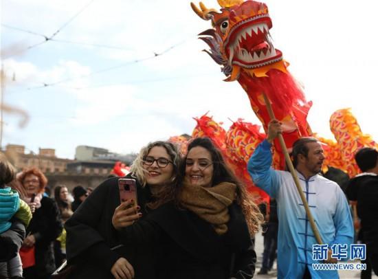 (国际)(1)中国年味洋溢罗马