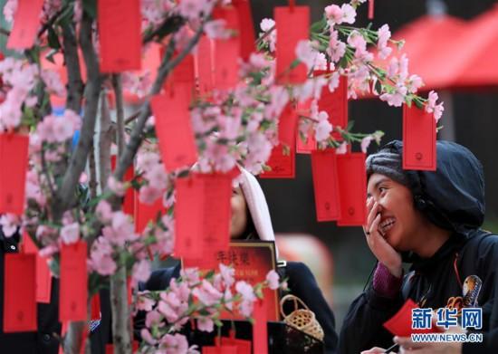 """好莱坞环球影城内的""""中国年味"""""""