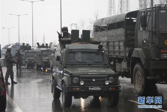 印控克什米尔地区自杀式袭击致至少40人死亡