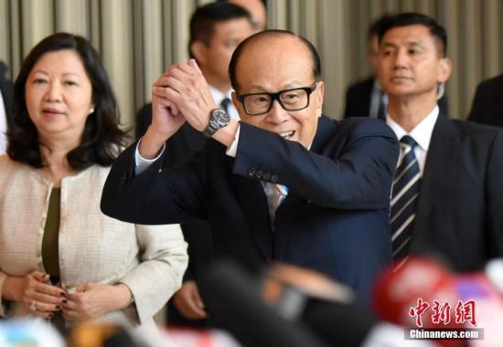 「フォーブス」の最新香港長者番付トップ50 李嘉誠氏が21年連続トップ